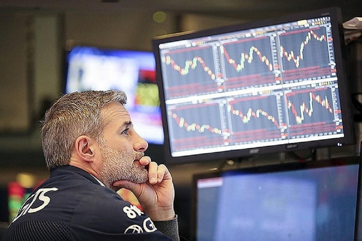 Народ пытается заработать на бирже,
