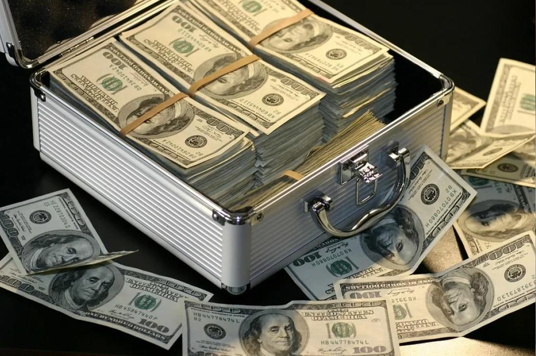 От 100000 рублей
