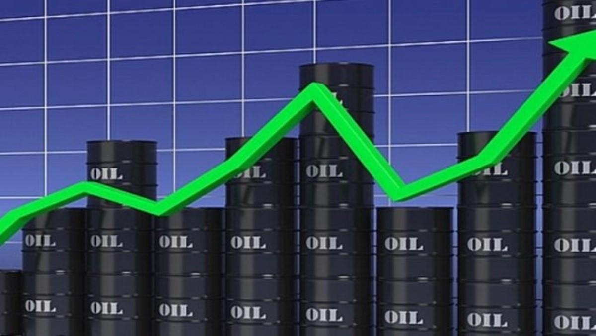 Цены на нефть возобновили рост на мировых рынках