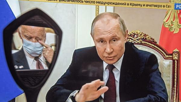 Путин ответил на санкции США еще большей экономической изоляцией