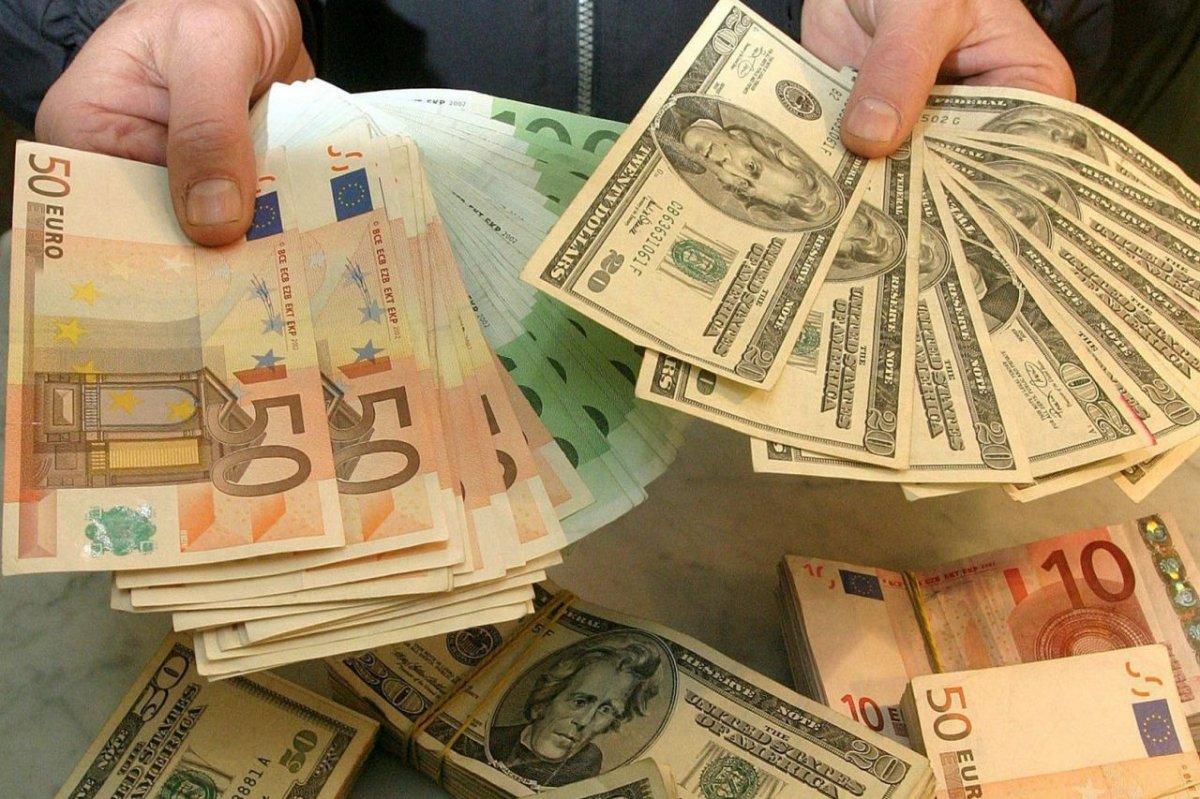 Важные новости для доллара и евро
